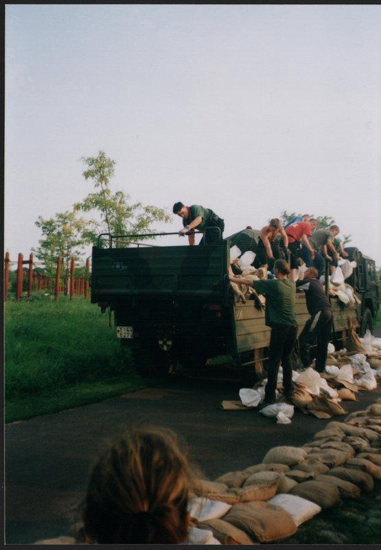 Hochwasser Magdeburg 2002-0001